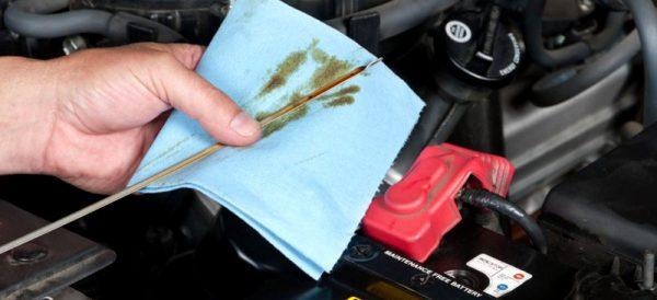 Проверка и смяна на масло на автомобил