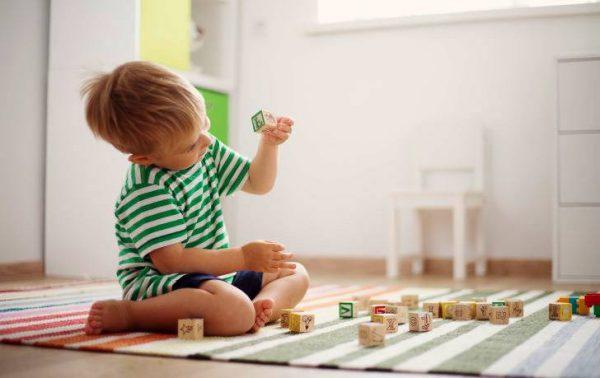 Избор на подходящи дървени играчки